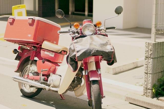 日本郵便の見守りサービス、独自サービスとして方針転換