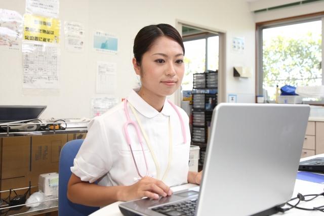 看護師と介護福祉士、大事にしていることの違いはどこにあるのか?