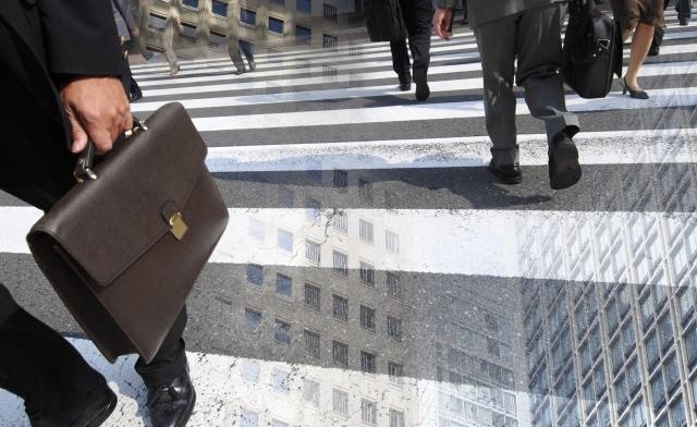 中高年ひきこもり問題は、定年退職のリスクを際立たせている