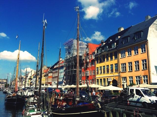 デンマークの「手を出しすぎないケア」