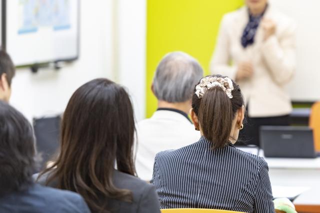 【ヘルスケアの経営学】ヘルスケア系の経営セミナーの特徴と今後の変化について