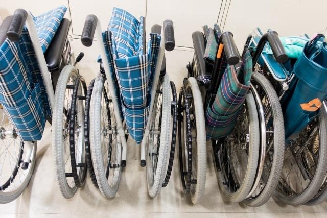 介護業界の人材不足で、政府主導の特養建設が遅れている