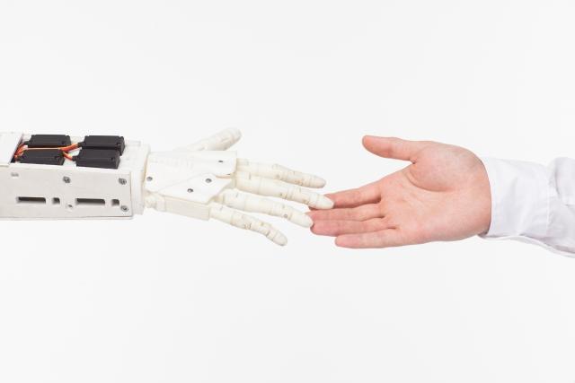 介護ロボット市場は立ち上がるか?いったん縮小した市場が回復