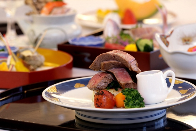 介護食の負担は、食材の買い出しと調理に集中する?